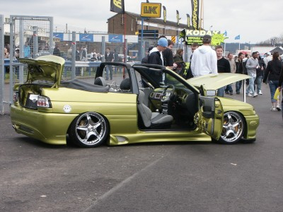 Ford Escort Modified : click to zoom picture.